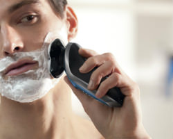 Philips Norelco Electric Shaver 8900 click on beard styler